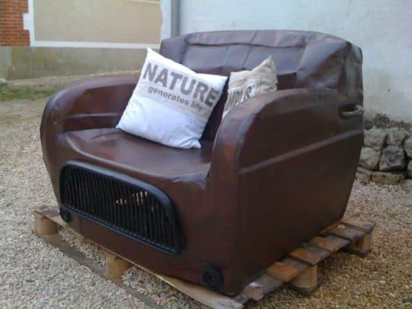 4L Renault revisited the rusty way in furniture diy  with upcycled furniture sofa Seat Automotive 4L