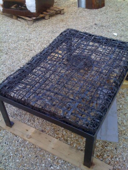 "Iron string, coffee table ""Hot Couture"""