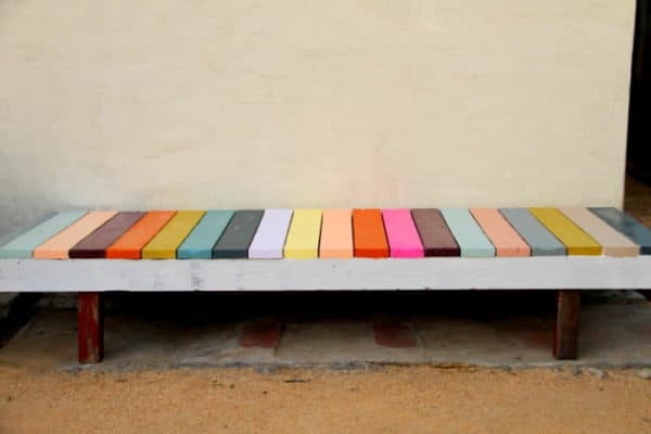 colorful bench 600x400 DIY : Colorful bench in wood diy  with DIY Color Bench