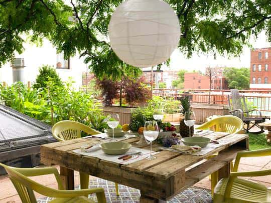 Pallet to table in pallets 2 furniture diy  with Table Pallets outdoor Garden