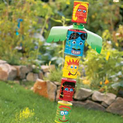 DIY : can totem pole Do-It-Yourself Ideas Interactive, Happening & Street Art Recycled Packaging Recycling Metal