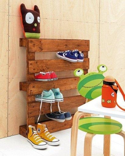 Pallet –> shoe rack