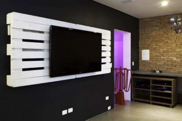 pallet tv holder2 600x400 Pallets as a TV holder in pallets 2 diy  with Television Pallets