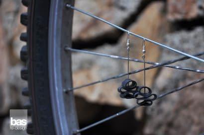 Bike innertube earrings – bas redesign