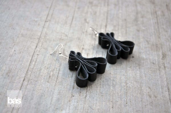 Bike innertube earrings - bas redesign Accessories Recycled Rubber Upcycled Jewelry Ideas