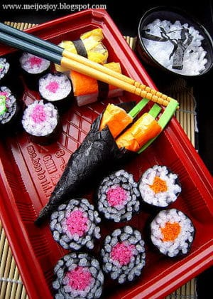 DIY Gourmet Play – Sushi from Groceries Packaging