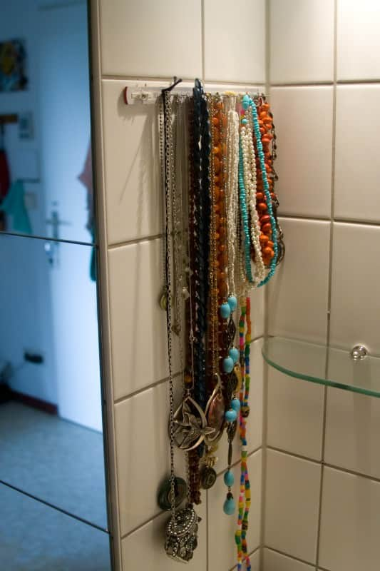 KPdesign_recycled-ruler-necklace-hanger_1