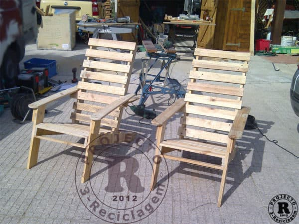 Cadeira4r 600x450 Pallet recycles chairs and bench in pallets 2 furniture  with Wood / organic Recycled Pallets Garden Furniture Chair Bench
