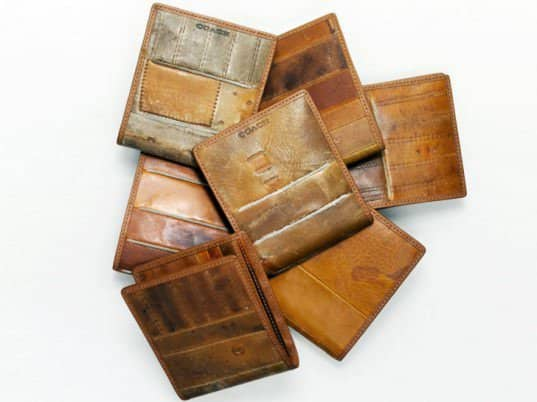 coach recycled baseball glove wallet 1 537x402 Baseball gloves wallets in wood diy  with Wallet leather Glove Baseball