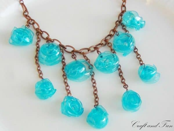 Tutorial - Necklace Made with Recycled Plastic Bottle Accessories Do-It-Yourself Ideas Upcycled Jewelry Ideas