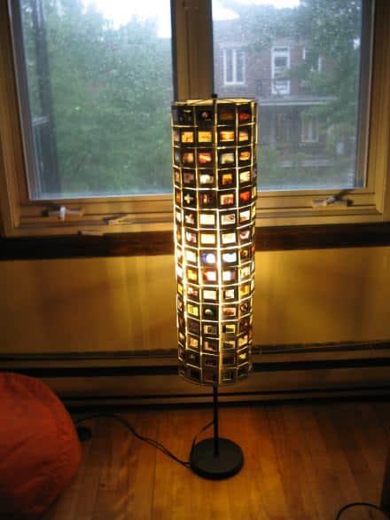 Slides floor lamp