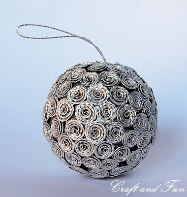 Christmas decoration made ​​from recycled Nespresso coffee capsules in diy  with Recycled Christmas