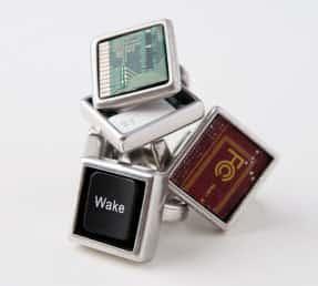 Cyberwaste jewelry