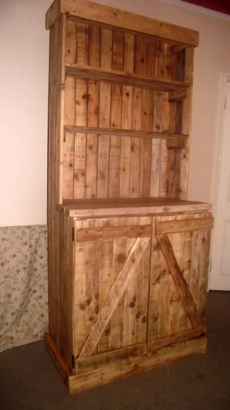 Pallet Dresser in furniture pallets 2  with upcycled furniture Pallets Dress