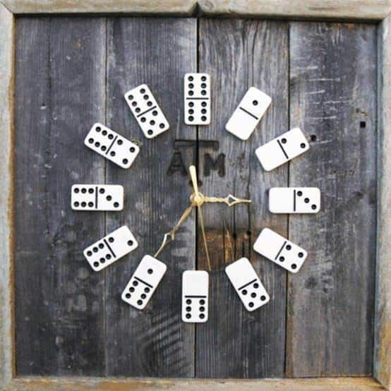Dominoes clock in social plastics  with domino Clock