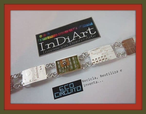 Electronic jewels Accessories Upcycled Jewelry Ideas
