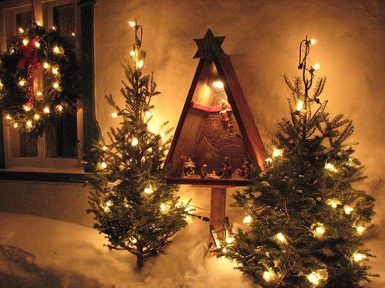 Eco christmas trees in wood  with Wood Upcycled Tree Recycled organic eco friendly Christmas
