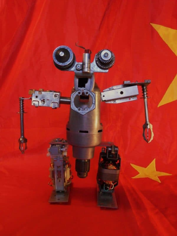 SDC12843 600x800 Construction of recycled robots in metals art  with Robot Recycled Metal DIY