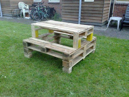 Camping table from pallets