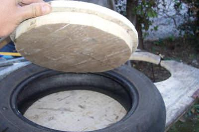 DIY: Stool with old motorcycle tires Do-It-Yourself Ideas Recycled Furniture
