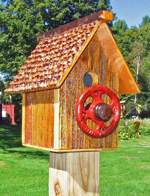 recycled bird house1 Recycled bird house in wood diy  with Garden Bird House 