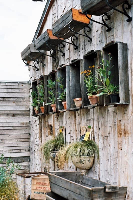 Lovely Way To Reuse Old Wooden Crates And Lavabos Do-It-Yourself Ideas Garden Ideas