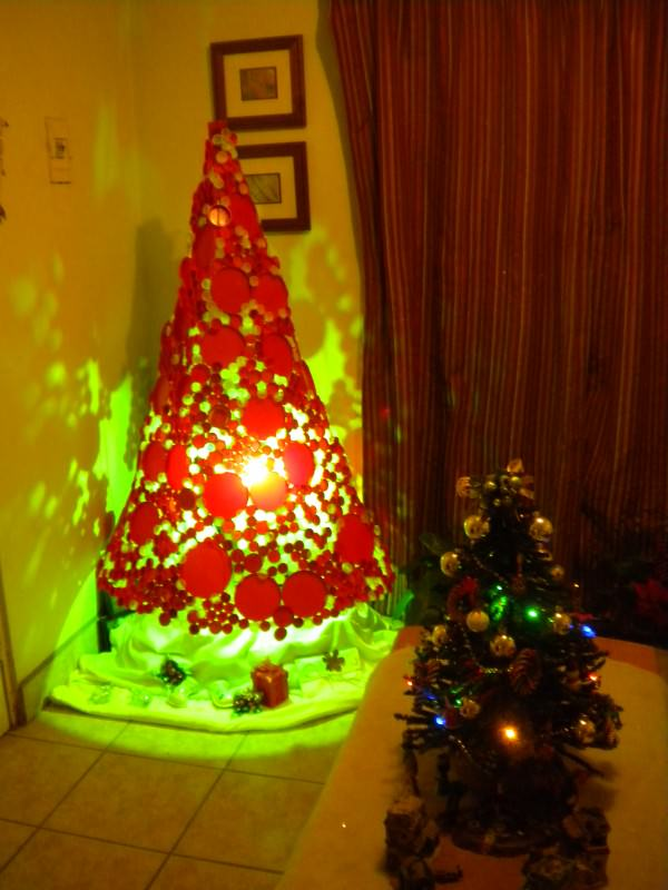 Plastic bottle cap Christmas Tree in diy  with DIY Christmas Bottle