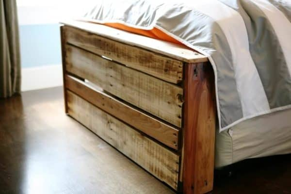 Boys bedroom from pallets Do-It-Yourself Ideas Recycled Pallets