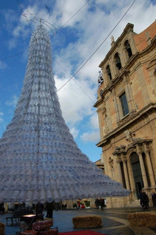 Christmas tree from 1750 plastic bottles in Sicily in plastics packagings diy  with Plastic Christmas Bottle