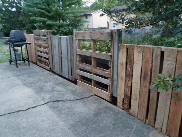unfinished pallet fence Pallets Patio Fence in pallets 2 diy  with Wood / organic planter Pallets fence