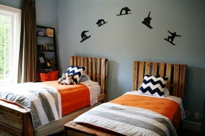 Boys bedroom from pallets