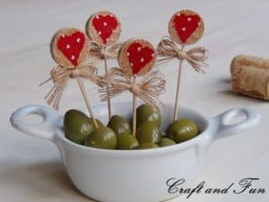 Recycling corks – idea for Valentine's Day