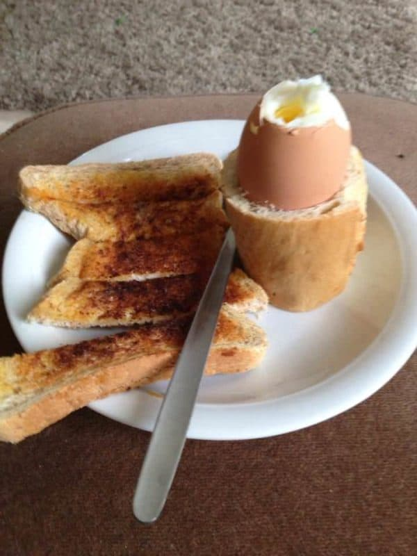French stick egg cups Do-It-Yourself Ideas