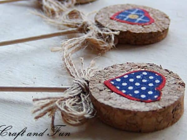 Recycling corks - idea for Valentine's Day Do-It-Yourself Ideas Recycled Cork