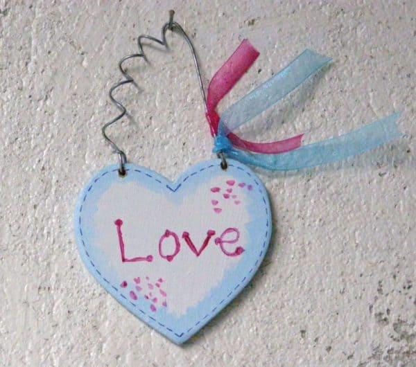 Handmade Wooden Hearts Do-It-Yourself Ideas Wood & Organic