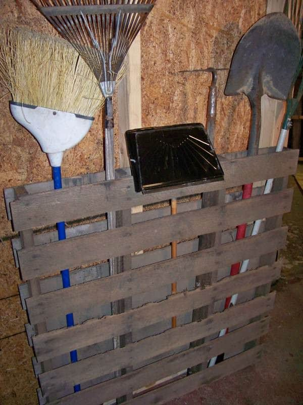 DIY: Storing your garden tools in pallets 2 diy  with store Pallets Garden DIY
