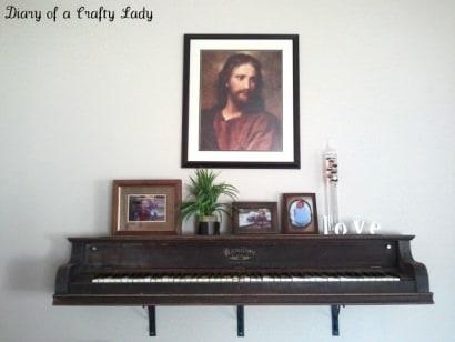 Piano wall shelf