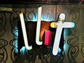 Llit Lamp &#8211; Recycling furniture and neon signs