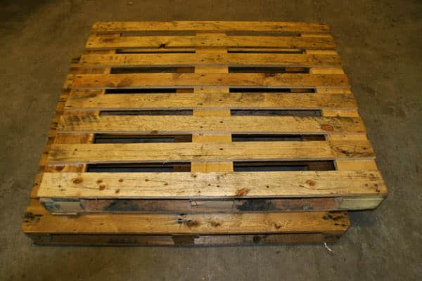 DIY: Wooden Pallet Chair Recycled Furniture Recycled Pallets