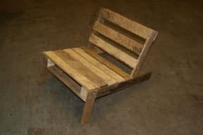 DIY: Wooden Pallet Chair
