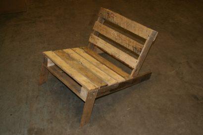 DIY: Wooden Pallet Chair