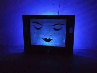 TV screen lampshade