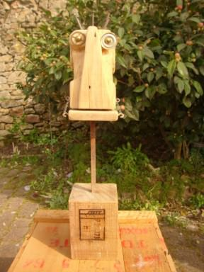 Recycled pallets robots