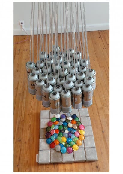 40 spray cans light