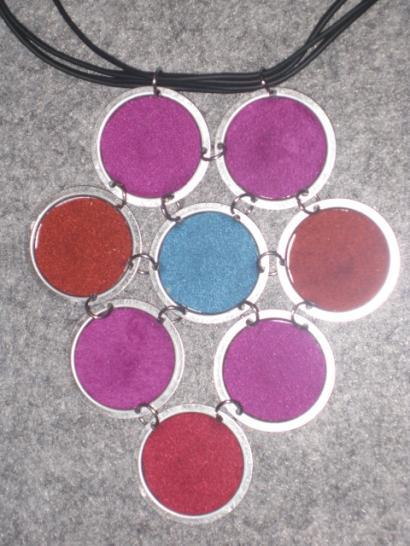 Jewelry made of floppy discs