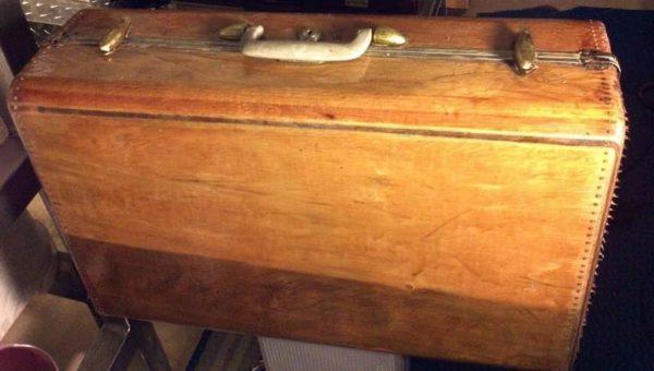 Samsonite Wood Vintage Suitcase Recycled Packaging