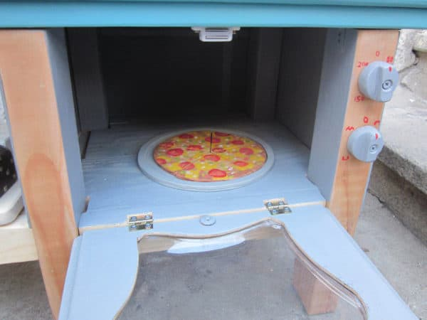 Kid's Kitchen Made out of Reclaimed Materials Do-It-Yourself Ideas Wood & Organic