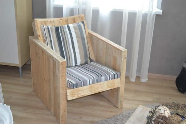 Pallets Chair in pallets 2 furniture  with Pallets Chair