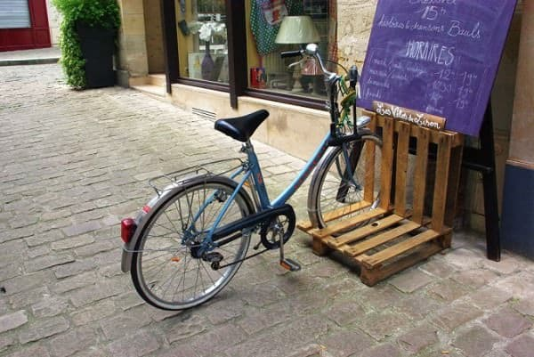 Pallet Bicycle Stand Recycled Pallets Upcycled Bicycle Parts