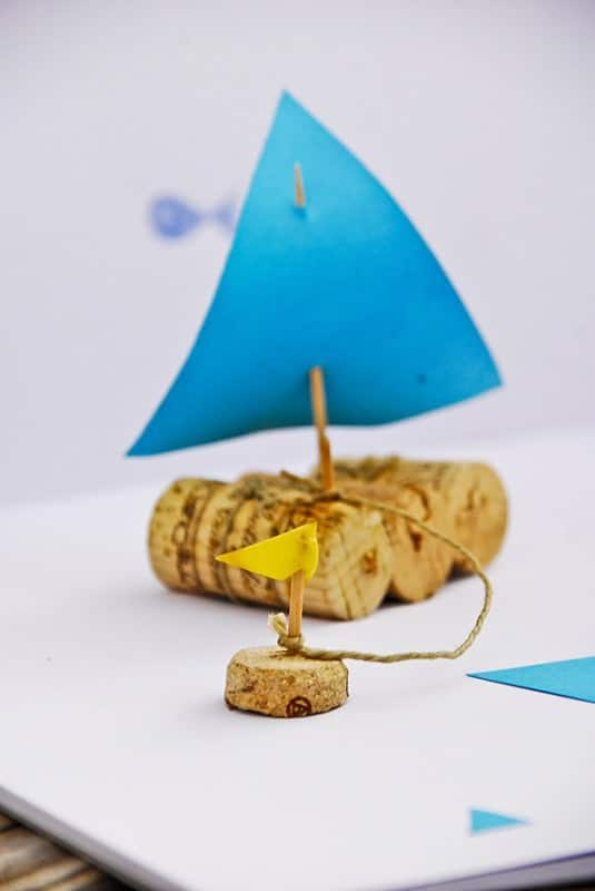 Cork sail boat in a jar Do-It-Yourself Ideas Recycled Packaging Wood & Organic